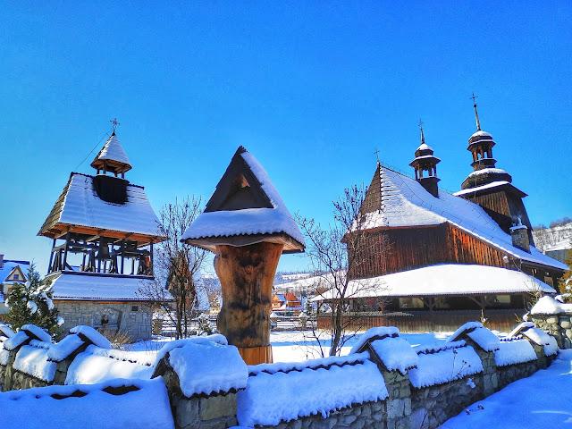 widokówka z Zakopanego, widok na miasto, kościółek z drewna
