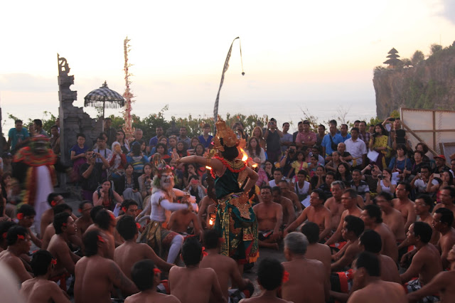 Jejak Mahakarya Tari Kecak Bali
