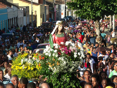 Nesta sexta-feira (13) acontece a grande festa da Padroeira de Macajuba, confira a programação do dia!