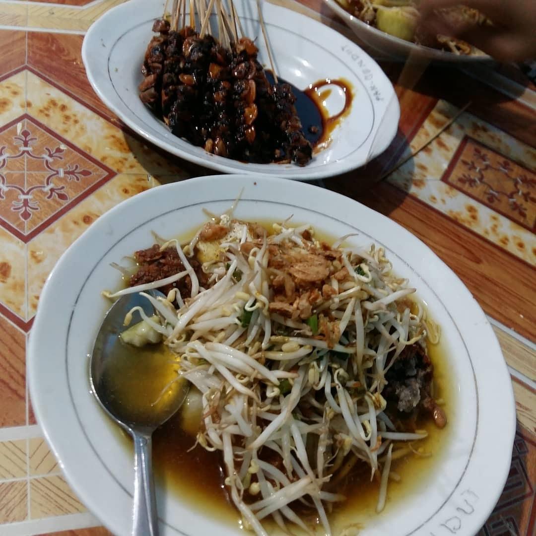 Wisata Kuliner Lontong Balap Garuda Pak Gendut Surabaya