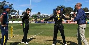 ऑस्ट्रेलिया महिला टीम की कप्तान मेग लेनिंग हैं, लेकिन टॉस की 'कप्तान' बनकर मैदान पर एलिसा हिली उतरी