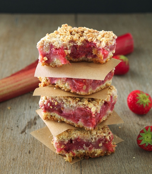 Whole Wheat Rhubarb Strawberry Crumb Bars