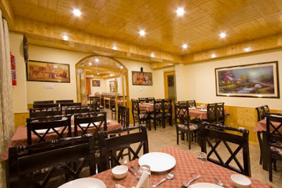 Fog hills resort restaurant, Best places to eat in Manali, Where to Eat in Manali,