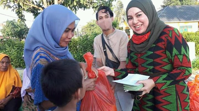 Mahdalena Bagi Bantuan Sembako Dengan Uang Pribadi Jadi Ciri Khas