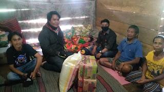 Pt. Bintang Serahkan Bantuan Kepada Yuliana Sulle, Penderita Lumpuh di Tana Toraja