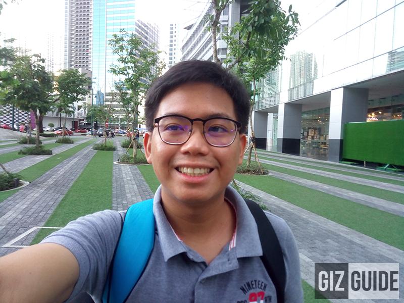 gizguide-kata-selfie-front-camera Kata Selfie First Impressions - The Selfie Focused Contender? Technology