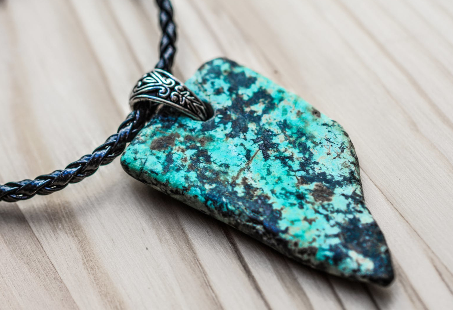 beautiful summer necklace with huge rock pendant