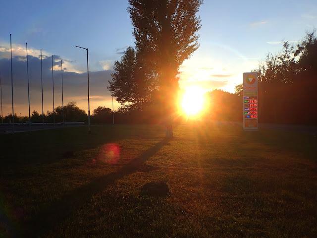 Zachód słońca gdzieś pod Umaniem