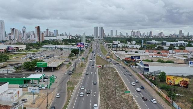 Mais de 14 mil motoristas foram multados em 2020 na Paraíba por descumprir uso de farol aceso durante o dia