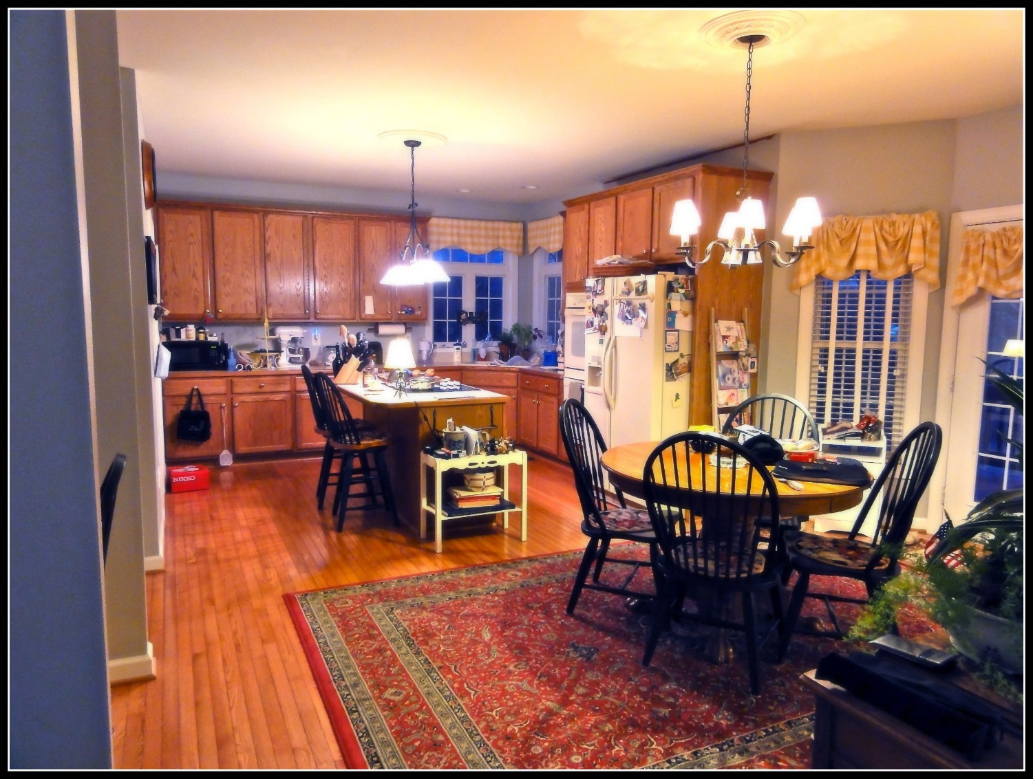Honey Oak Kitchen Cabinets Beige Counters With Warm Painted Walls