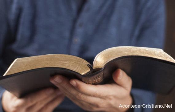 Leer la Biblia regularmente ayuda a disminuir el estrés
