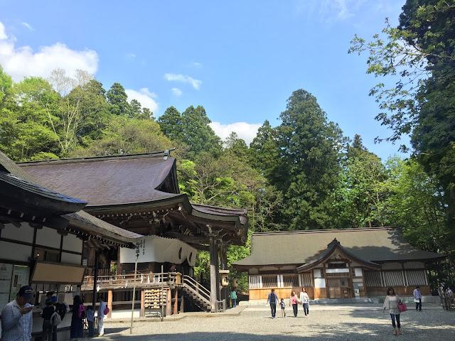 戸隠神社の境内