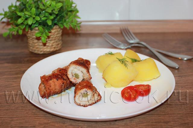 рецепт свиных рулетиков с солеными огурцами и салом