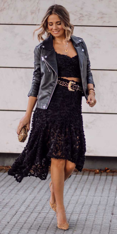 The holidays are here, these simple but cute festive outfit ideas are ready to help you shine glamorously in your upcoming Instagram photos. Holiday Fashion + Style via higiggle.com | Black midi lace Dress | #festivestyle #dress #mididress #jacket
