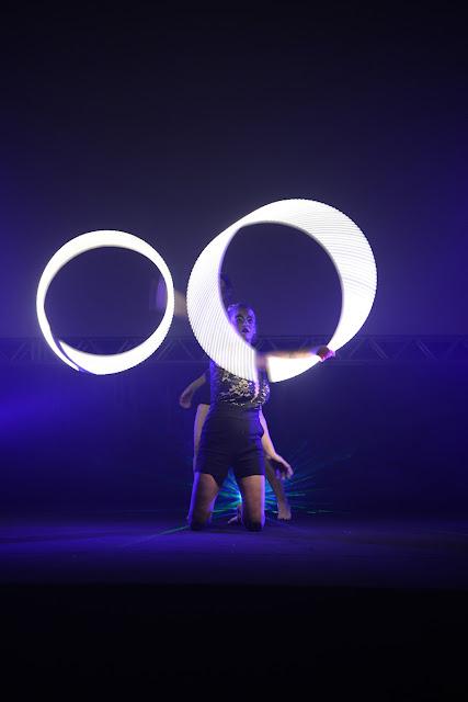 Performance led para abertura de evento corporativo online ou presencial em Florianópolis.