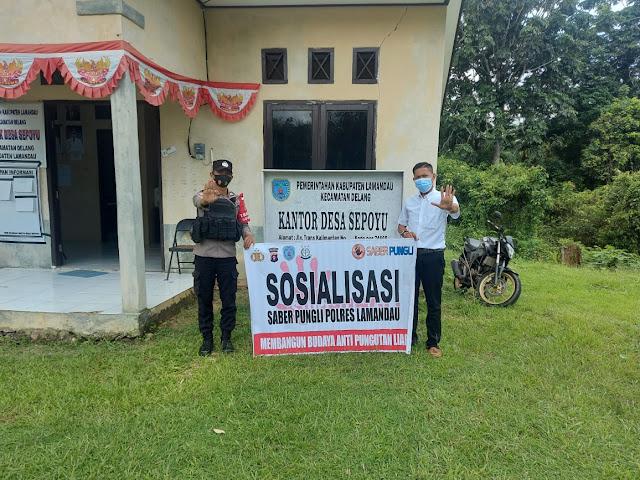 Bhabinkamtibmas Polsek Delang Sambangi Desa Sepoyu, Sosialisasikan Saber Pungli