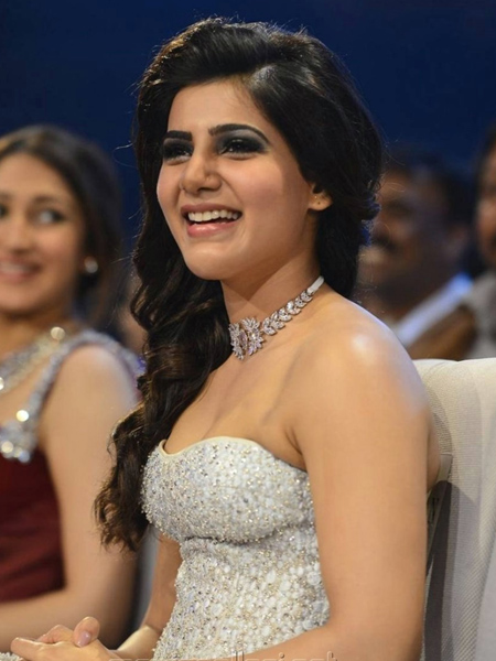 Samantha%2BSexy%2BDress%2BPhotos%2Bin%2BSIIMA%2BAwards%2B2016 5 - Samantha's sexiest 30 Hot Cleavage Photos-Seducing Images of her will blow your mind