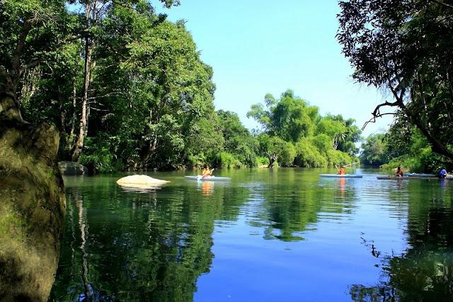 Enjoy outdoor lagoon in Vietnam 3