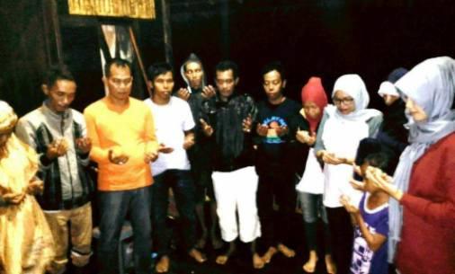 Keluarga Besar, PiS.CoM, Sambut 2017 ,Dengan, Doa Bersama