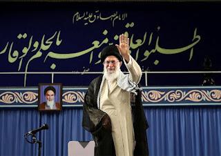 Khamenei Disebut Mirip Mantan Diktator Iran