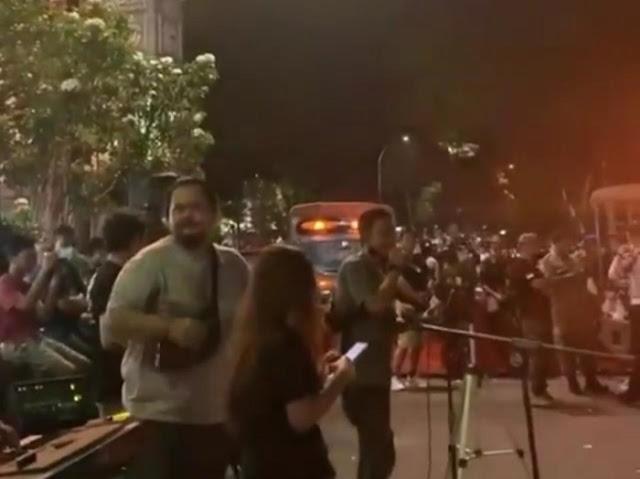 Viral Konser Musik di Pasar Lama Tangerang Dijaga Petugas Satpol PP