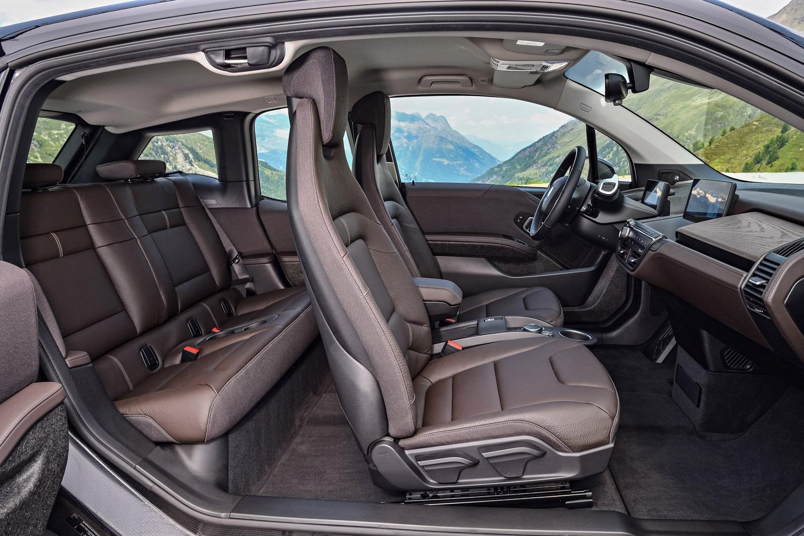 2018-BMW-i3S-11