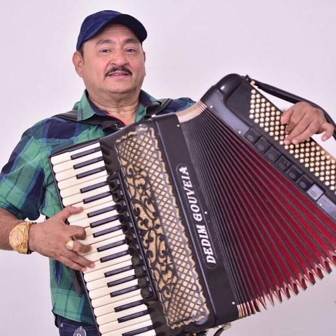 Morre o cantor Dedim Gouveia vítima de complicações da Covid-19