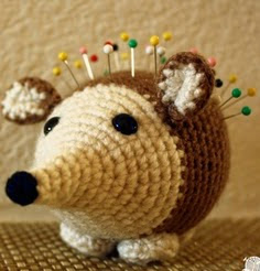 http://translate.googleusercontent.com/translate_c?depth=1&hl=es&rurl=translate.google.es&sl=en&tl=es&u=http://knotyograndma.tumblr.com/post/83477658487/amigurumi-hedgehog-pincushion-pattern&usg=ALkJrhiCcMNe8GZ5rBcCuq38gOAKuX-zQw