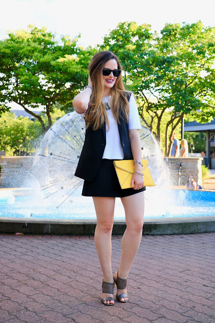 Nyc fashion blogger Kathleen Harper wearing shorts in Naperville, Illinois