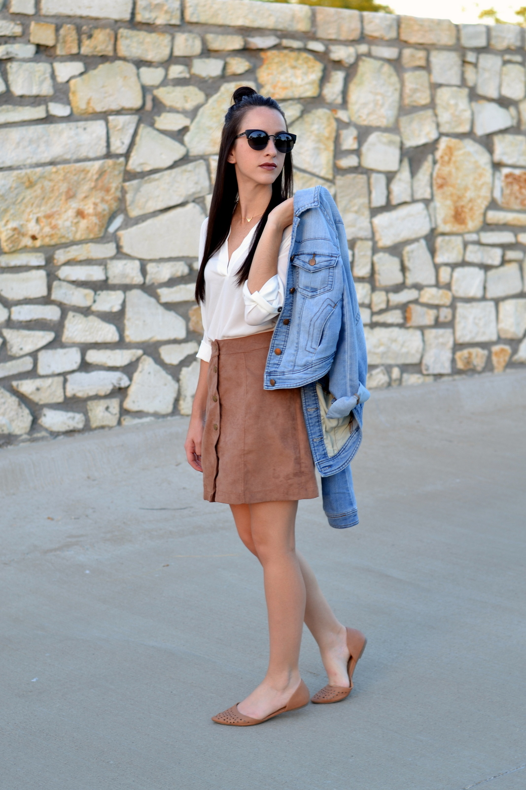 Suede_Skirt_Casual_Outfit