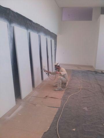 Pintando portas em BH.8