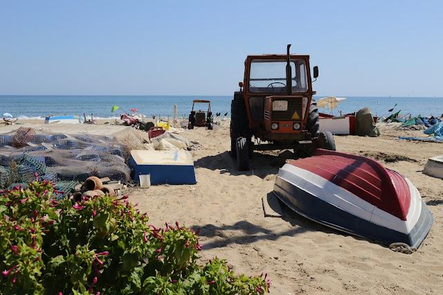 Playa de Isla Antilla por la barriada de los pescadores