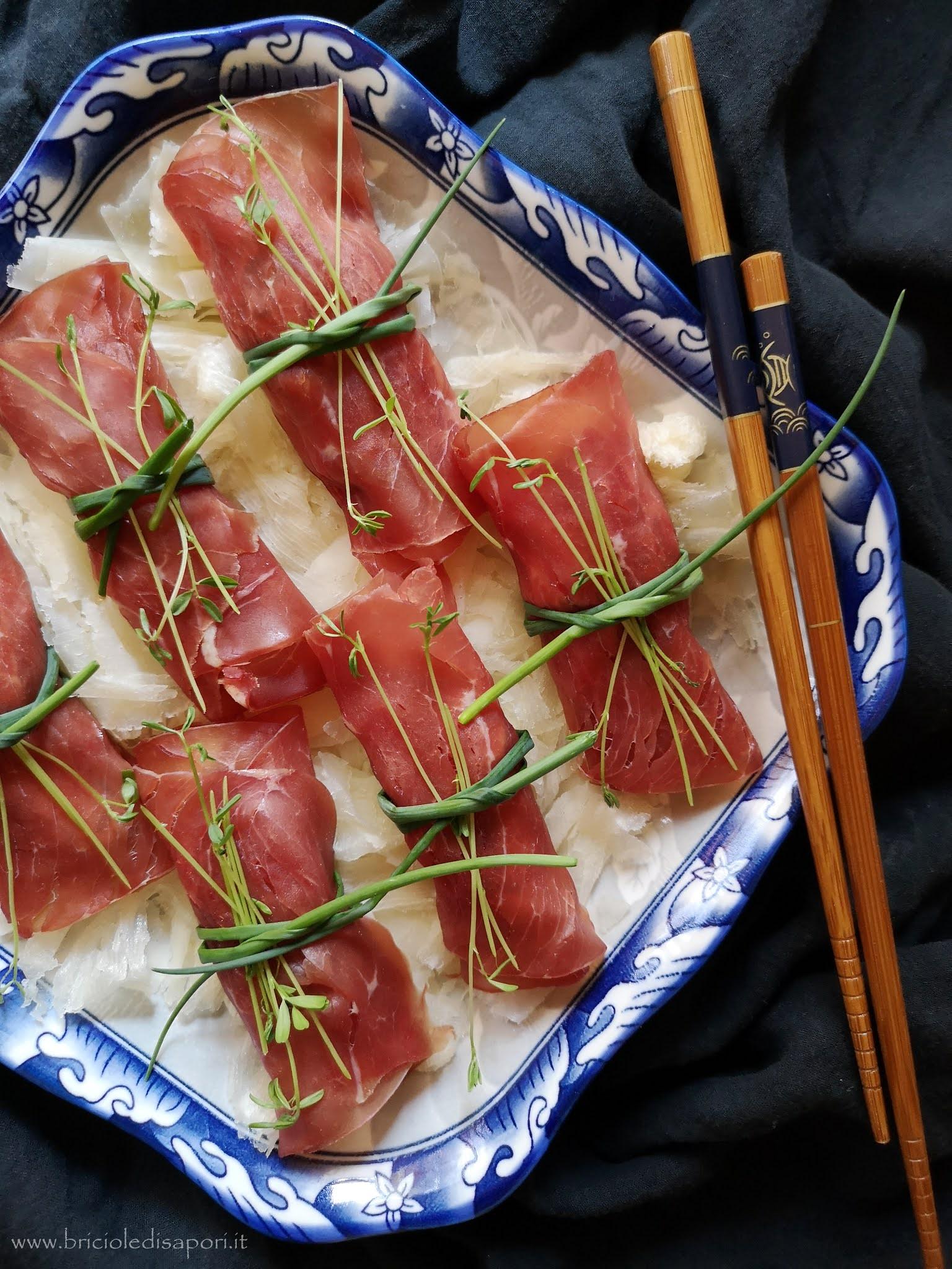 rotolini di bresaola con zucchine e robiola raspadüra e aceto balsamico