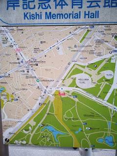 岸記念体育会館付近の地図