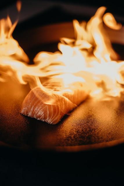 تعرفى على طريقة تحضير سمك السلمون  في الفرن