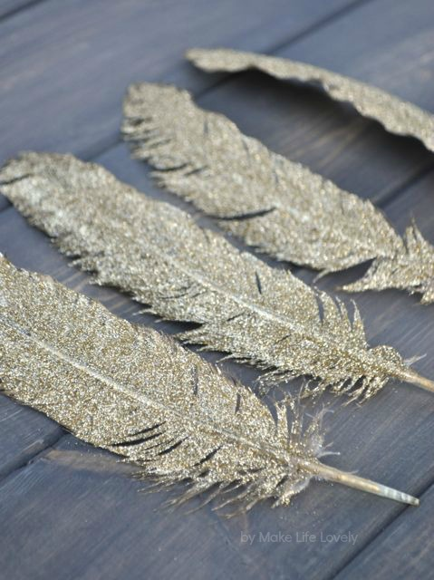 Gold Glittered Feather Thanksgiving Name Cards - Make Life