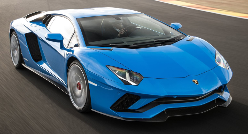 Lamborghini Recalling Almost 6000 Aventadors Due to Fire Risk