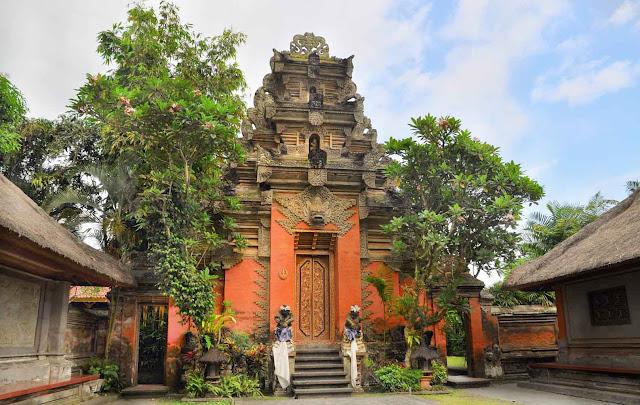 Selain Hotel di Ubud, Apa yang Membuat Jatuh Hati dengan Ubud, Bali?
