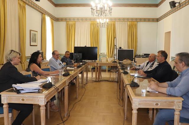 Με τουριστικούς φορείς συναντήθηκε ο Περιφερειάρχης Πελοποννήσου