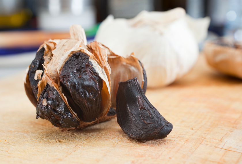 Black Garlic: 4 Reasons You Should Eat It, How To Make It And Recipes