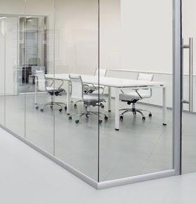 Cách chọn vách kính văn phòng cho phòng họp