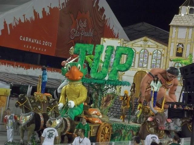 Brilho e Alegria no Carnaval da UESP