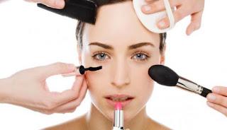 Bahaya Dibalik Menggunakan Make Up Terlalu Sering