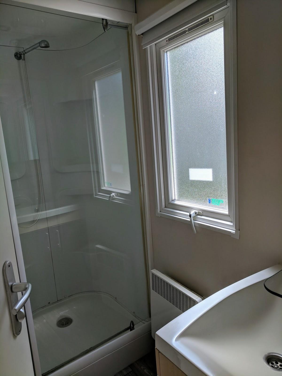 Eurocamp Esprit Shower Room