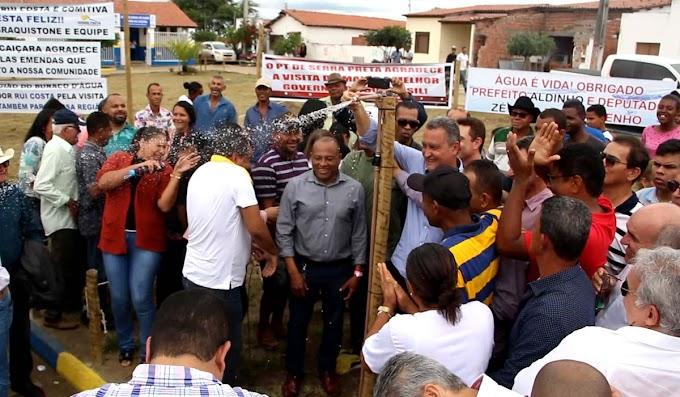 Rui entrega sistemas de abastecimento e títulos de terra em Serra Preta