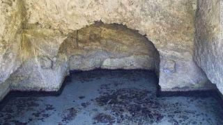 piscina de estilo romano en zannone