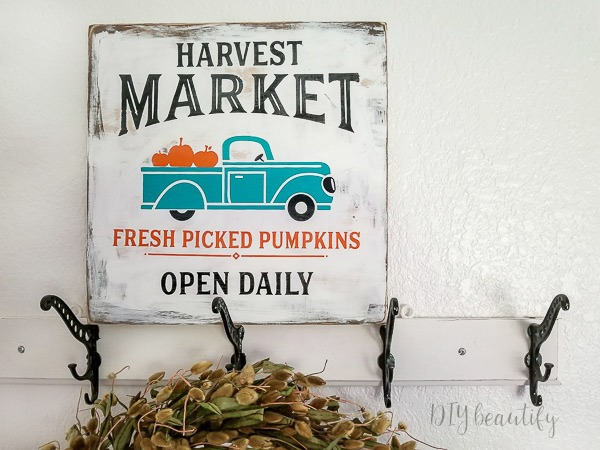 DIY farmhouse fall sign with pumpkins