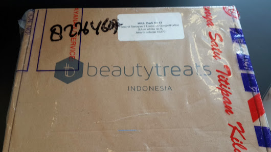 Unboxing: Beauty Treats Indonesia (December Box)
