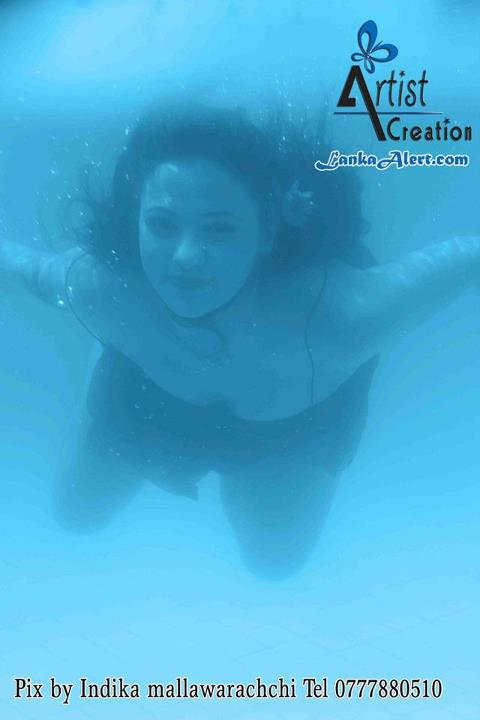 Underwater photo shoot with Udari Warnakulasooriya ~ Sri ... Udari Warnakulasooriya Bikini With Underwater