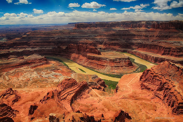 Canyonlands National Park Utah geology travel Dead Horse Point Mineral Bottom Road White Rim Trail Green River Colorado River copyright RocDocTravel.com